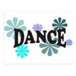 Danza con las flores azules postal