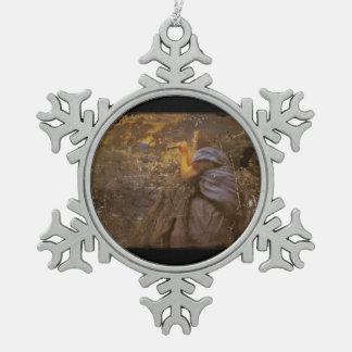 Danza crepuscular del círculo de hadas adorno de peltre en forma de copo de nieve