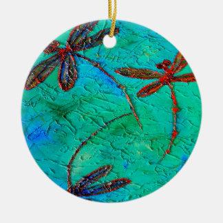 Danza de la libélula adorno redondo de cerámica