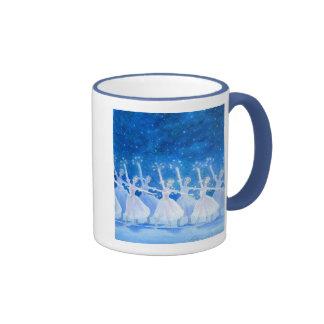 Danza de la taza de los copos de nieve