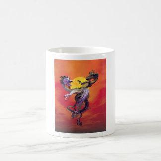 Danza de los dragones del amor taza de café