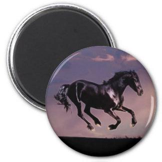 Danza del caballo en la puesta del sol imán redondo 5 cm