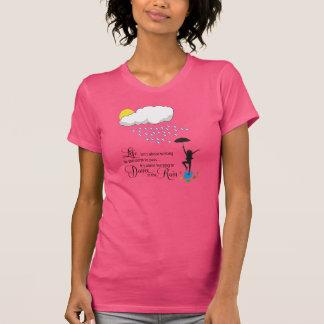 Danza en la lluvia t-shirt