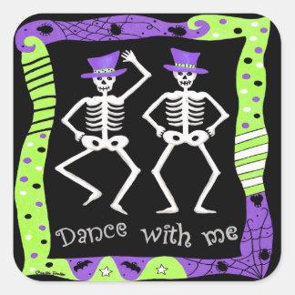 Danza esquelética blanca negra de los huesos de pegatina cuadrada
