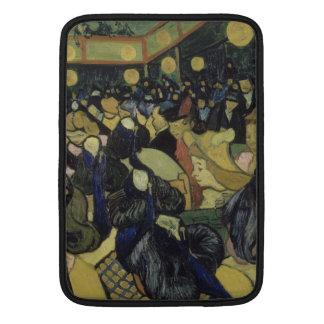 Danza pasillo en Arles de Vincent van Gogh Fundas Macbook Air
