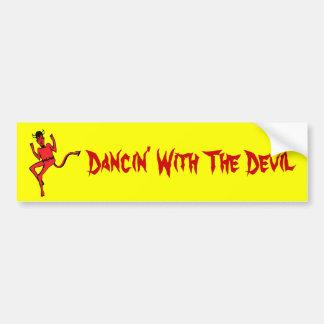 Danza peligrosa etiqueta de parachoque