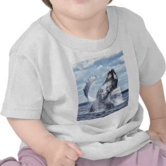 Danzas con las ballenas camiseta