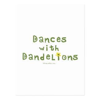 Danzas con los dientes de león tarjeta postal