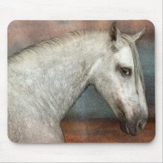 Dapple el retrato andaluz gris del caballo tapete de ratones