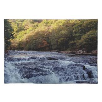 Dardo Vally Rowbrook Autunm del río de Dartmoor Manteles
