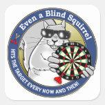 Dardos ciegos de la ardilla pegatina cuadradas