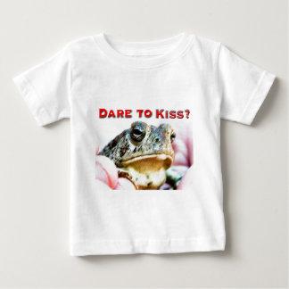 dare to kiss baby T-Shirt