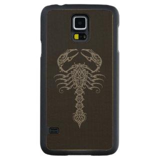 Dark Gray Tribal Scorpion on Black Carved Maple Galaxy S5 Slim Case