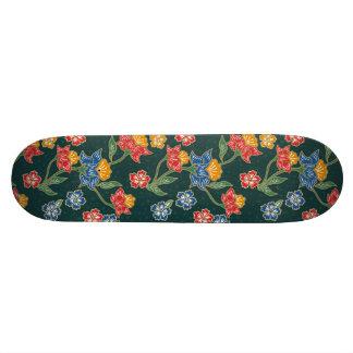 Dark green Indonesian floral vines Batik pattern Skateboard