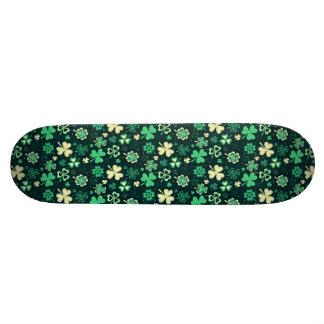 Dark green St Patrick lucky shamrock pattern Skateboard Deck