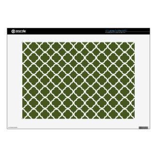 """Dark Moss Green Quatrefoil Skin For 15"""" Laptop"""