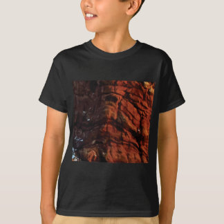dark red rock lines T-Shirt