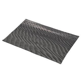 Dark ripples place mat