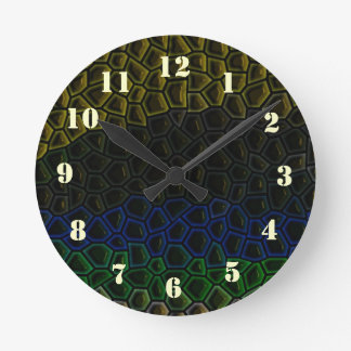 Dark tile pattern round clock