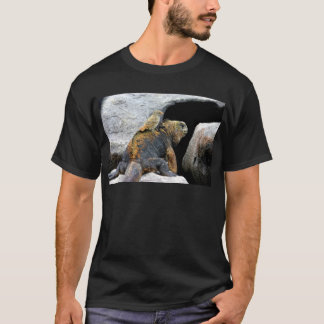 Darwin finch hitchhiking on marine iguana T-Shirt