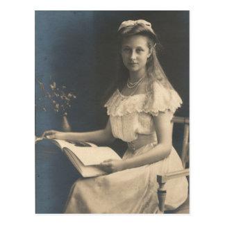 DAUGHTER Kaiser Wilhelm II of Germany #032D Postcard