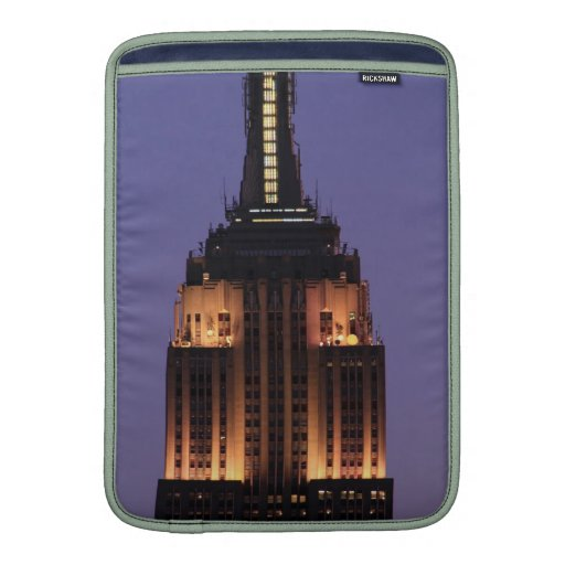 Dawn: Empire State Building still lit up Pink 01 MacBook Sleeve