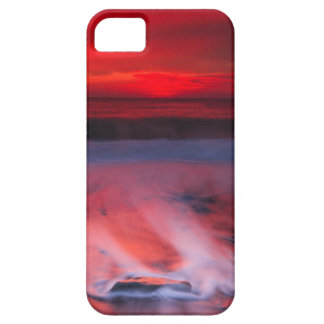 Dawn Over The Stormy Sea iPhone SE/5/5s Case
