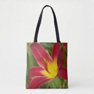 Daylily rojo y amarillo floral bolsa de tela