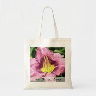 Daylily rosado rizado bolsa lienzo