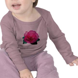 Dazzler rosado oscuro de la camelia camiseta