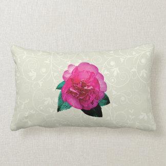 Dazzler rosado oscuro de la camelia almohada