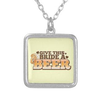Dé a esta NOVIA un ND de la cerveza Colgante Cuadrado
