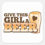Dé a este chica un ND de la cerveza Colcomanias Cuadradases