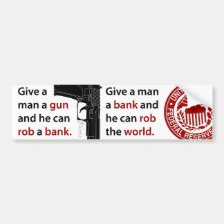 Dé a hombre un arma… pegatina para auto