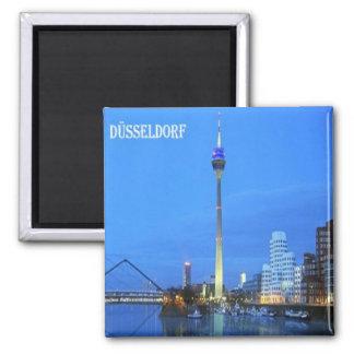 DE - Alemania - Düsseldorf - opiniónes Imán Cuadrado