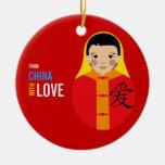 De China con el recuerdo de la adopción del muchac Ornamentos Para Reyes Magos