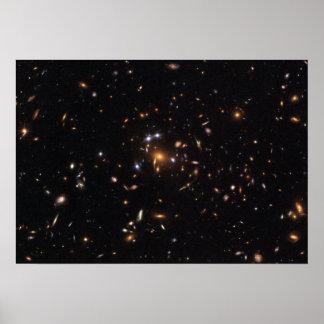 """""""De cinco estrellas"""" valoró la lente gravitacional Poster"""