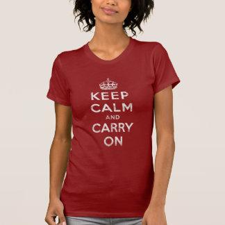 De color rojo oscuro del vintage apenada guardan c camisetas