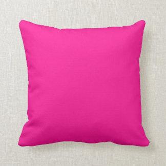De color rosa oscuro almohada