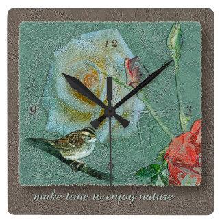 De color topo verde subió pájaro de la naturaleza reloj cuadrado