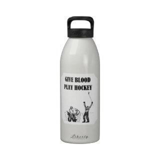 Dé el hockey del juego de la sangre botella de agua reutilizable