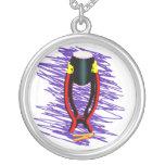 Dé el tambor en soporte con el fondo de la púrpura joyería