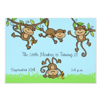 De encargo monkey alrededor la invitación del