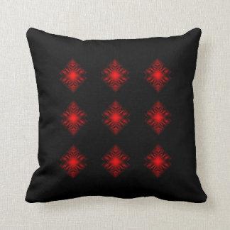 De forma diamantada abstracto rojo y negro sedoso cojín decorativo