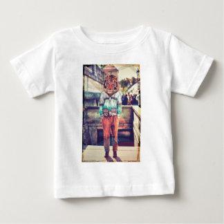 De incógnito tee shirts