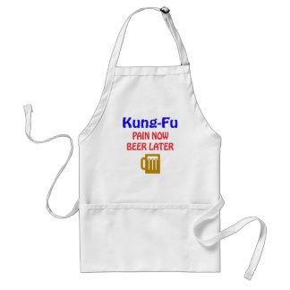 De Kung-fu del dolor cerveza ahora más adelante Delantal