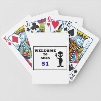 Dé la bienvenida al área 51 barajas de cartas