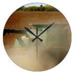 De la granja de cosecha del tiempo reloj alrededor