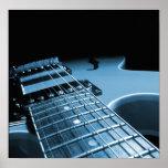 De la guitarra eléctrica del cierre azul para arri posters