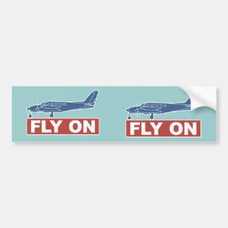 De la mosca aeroplano encendido - etiqueta de parachoque